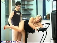 Mature russian cougar get her pussy..