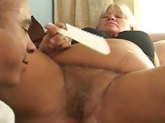 Mature fattie gets her hairy pussy..