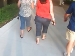 Insane bbw pawg wide hips