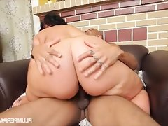 Cute n curvy exotic bbw swallows big..