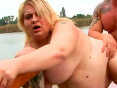 Blonde amanda gives a hot blowjob