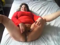 Bbw milf releasing a small river of..