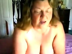 Grandma gets her pussy licked by her..